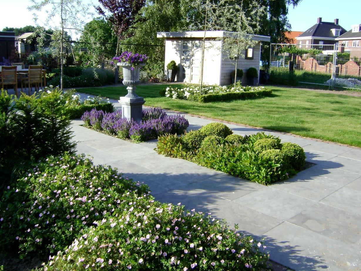 Kleurige voor & achtertuin Horst (8)