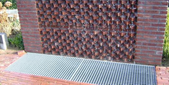 Watermuur en achtertuin Roggel (3)